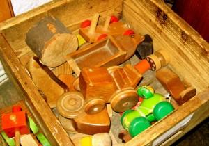 Jouets en bois en jardin d'enfants